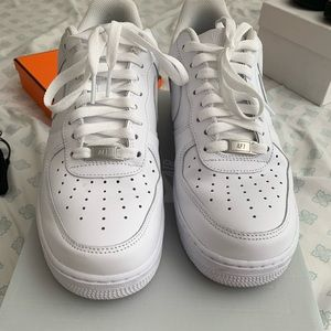 Men Nike Air Force One in white